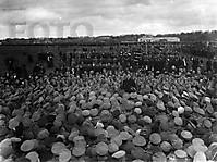 Москва. Митинг на Ходынском поле в первые дни революции.