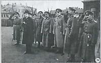 Военный министр А. Ф. Керенский производит смотр солдат гвардии Литовского полка. Апрель 1917