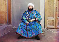 Эмир Бухары сидит с мечом
