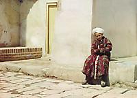 Мальчик сидит во дворе мечети
